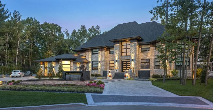 Modern architecture. Beautiful homes with stone by Rinox