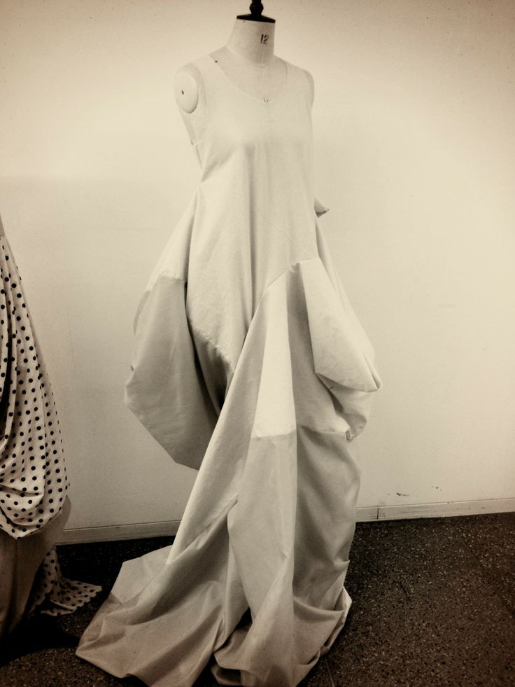 Fashion Designer Who Use Creative Pattern Cutting