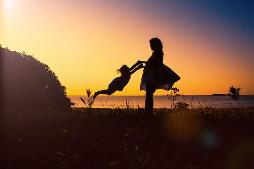 twirl: Silhouette Photo, Little Girls, That Girls, Plays Hard, Photo Ideas, Maternity Pictures, Baby Girls, Beautiful Photography, Happy Things