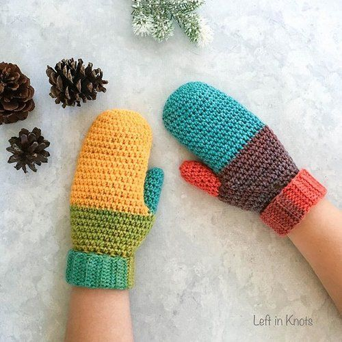 The new year may be coming to a close, but we've still got a long and cold winter ahead! ❄️ My Chroma Mittens are part of a three piece collection (scarf, hat and mittens) and all three patterns are available free on my blog! ➿ Just visit leftinknots.com and search 'Chroma' or click the link in my profile for the free pattern. . . . . . . . #crocheteveryday #craftsastherapy #crochetisbae #crochetersofig #yarnlover #instacrochet #crochetersofinsta #crochetcollections #crochetaddict #crochet…