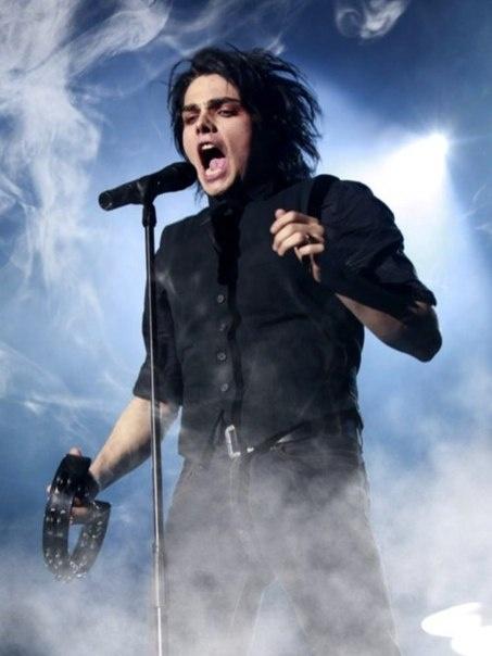 Omg Ahhh he so hot ❣❣❣