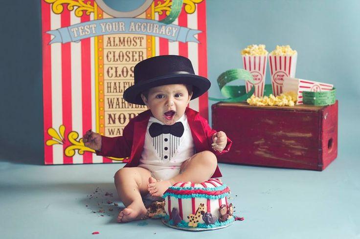 Circus themed cake smash