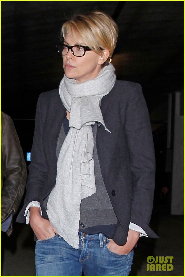 Charlize Theron & Sean Penn: Movie Date at ArcLight! | Charlize Theron, Sean Penn Photos | Just Jared