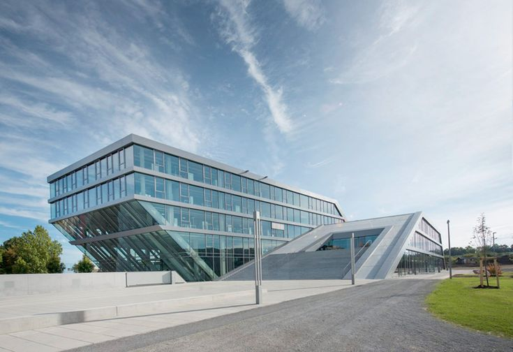 Hahn kolb logistics center by sigrid hintersteininger for Stuttgart architecture