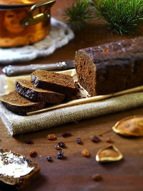 Foto: Eva Hildén Ännu ett härligt julrecpet ur vår fina bokBaka Glutenfritt – matbröd, kakor, tårtor & desserter, bokförlaget Semic, 2015. Ett saftigt, kryddigt och sött vörtbröd som blivit et…