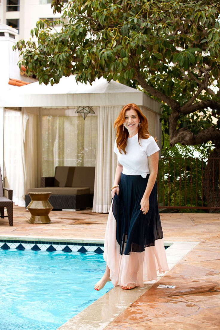Whte Tee And Blue Printed Pants - Alyson Hannigan Fashion Ideas - Redbook