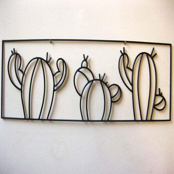 Cuadro Cactus. Cuadro de cactus hecho con hierro y realizado de manera totalmente artesanal. Ideal para decorar una habitación y darle un toque original y diferente. Su peso es muy ligero por lo que es muy fácil de colocar en la pared