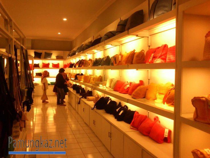 Dowa : Merk Tas Branded Wanita dari Jogja