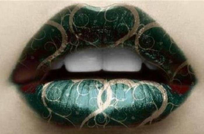 15 Tren Bentuk Lipstik Paling Unik ini akan membuat Bibir Anda Lebih Hidup - Gaya Mysterious Green