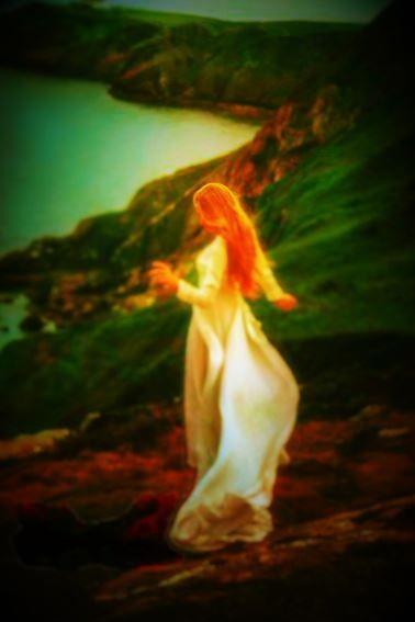 Anielskie spotkanie w czasie nowiu księżyca ma na celu oczyszczanie, uwolnienie z negatywnych energii, usunięcie tego, co stare, aktywacja anielskiej energii światła, spełnienia, dobrobytu, miłości, zdrowia, podziękowanie za dotychczasową pomoc i opiekę, wysłanie do Wszechświata Twoich życzeń i zgromadzenie anielskiej energii na kolejny miesiąc czasu. To odkreślenie starego okresu i NOWY POCZĄTEK... link: http://mariabucardi.pl/pl/c/Spotkania-anielskie/29