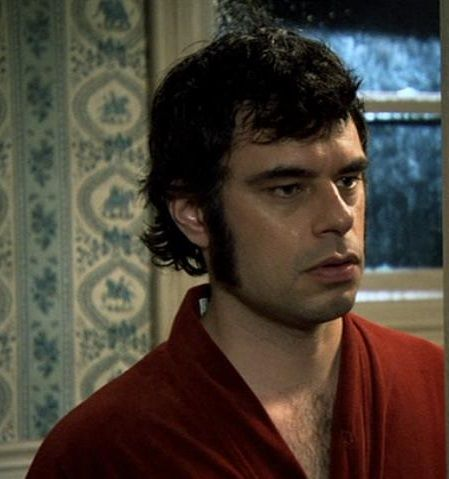 Jemaine Clement. Screencap from Flight of the Conchords.