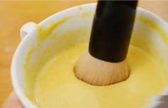 Débarrassez-vous définitivement des poils du visage et du corps avec cette simple recette !