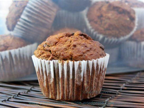Sticky oatmeal apple walnut muffins
