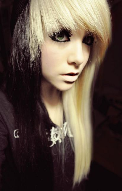 Blonde with black emo hair, naked pictures of girl movie stars