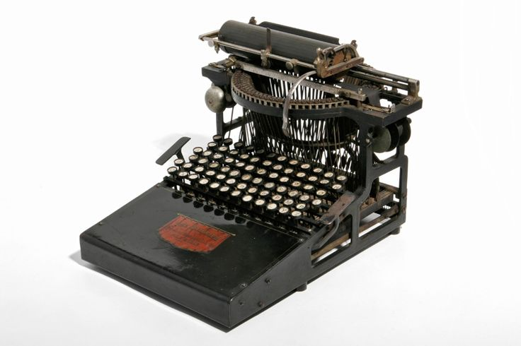 The calligraph Type 2, 1881. Typewriter. Museo Nicolis collection.