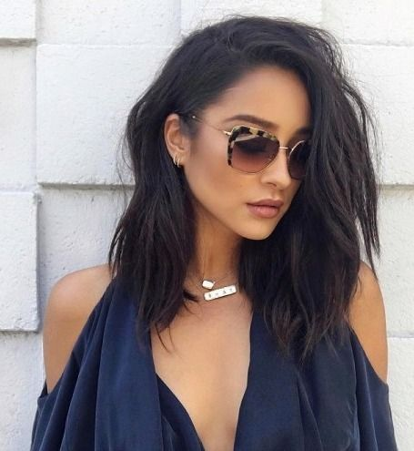 Shay Mitchell's faux bob - click through for her hairstylist's how-to video for faking a short haircut!