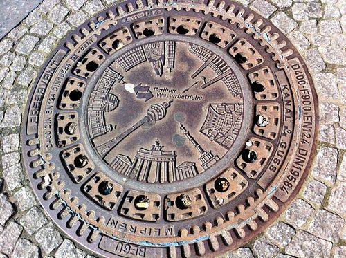 Manhole cover , Berlin