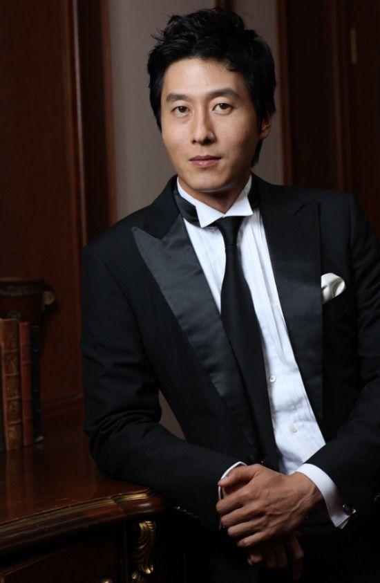 "Kim Joo Hyuk Announces He Is Leaving Drama ""1 Night 2 Days"" Season 3 | Koogle TV"