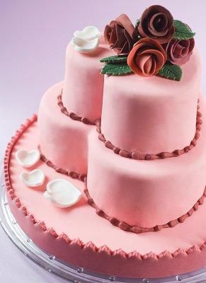 Heart Shape Wedding Cake   Embrace The Romance Of Your Wedding Day With A Heart  Shaped
