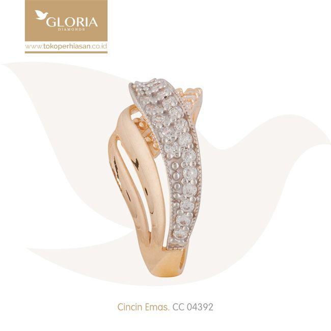 Cincin Emas Wanita Bentuk Silang Cukitan Kombinasi. #goldring #goldstuff #gold #goldjewelry #jewelry #engagementring #perhiasanemas #cincinemas #tokoperhiasan #tokoemas