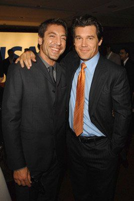 Javier Bardem and Josh Brolin at event of No Country for Old Men/DOUBLE WHAMMY