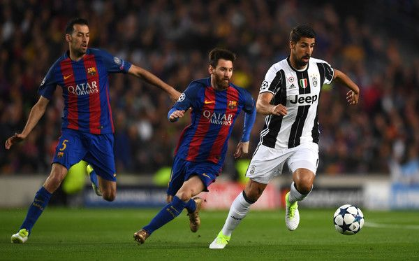 Sami Khedira of Juventus gets away from Lionel Messi of Barcelona during the UEFA Champions League Quarter Final second leg match between FC Barcelona and Juventus at Camp Nou on April 19, 2017 in Barcelona, Catalonia.