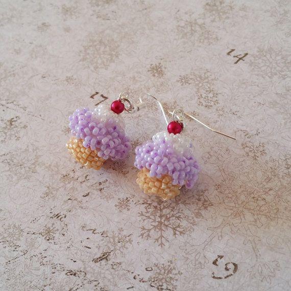 Cupcake oorbellen Paarse cake oorbellen door HoneyBeads1Official