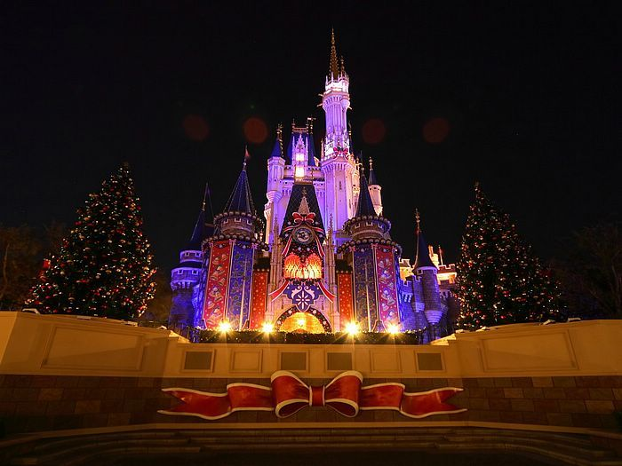 Disney christmas castles around the world cinderella castle tokyo disney christmas castles around the world cinderella castle tokyo disneyland happiest place on earth o o pinterest tokyo disneyland voltagebd Images