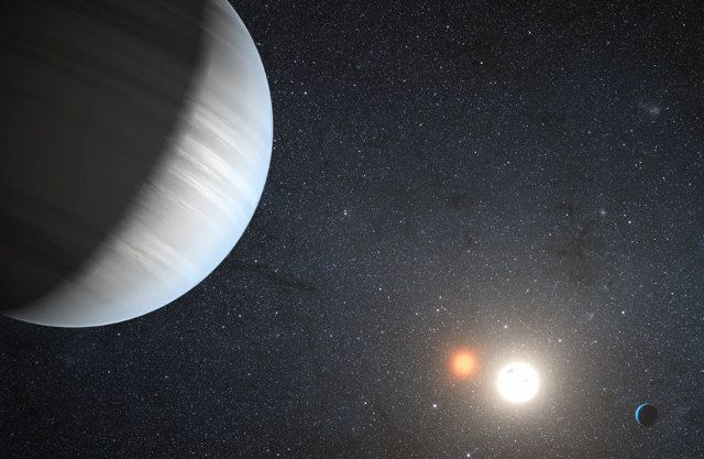 Two-star solar system discovered with TWO planets orbiting the two stars