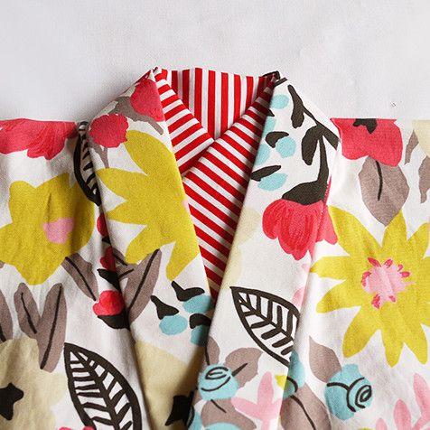 コーディネートのポイントになる紅白ストライプの半襟になります半襟を変えると着物の印象もガラッと変わります。着物のお洒落を楽しみませんか?着物とご一緒にご購入い...|ハンドメイド、手作り、手仕事品の通販・販売・購入ならCreema。