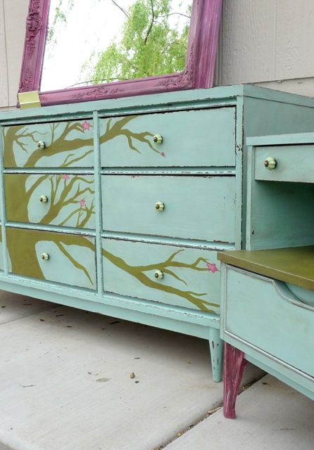 This is AWESOME!!!  I love the tree on the reclaimed dresser.  I seriously have to try doing something like this.