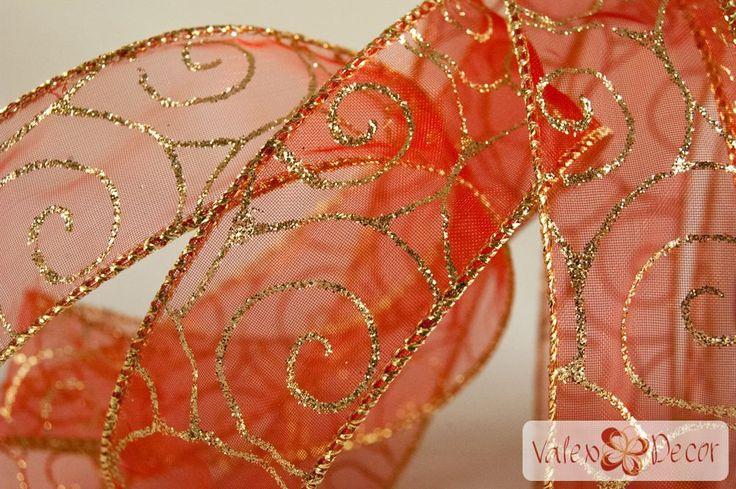Karácsonyi organza szalag - piros, arany indás - 38mm x 9,1m - Valex Decor Kft. | Virágkötészeti kellékek és dekorációk webáruháza