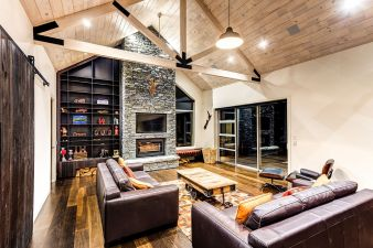 Niagara's timber features in stunning home. #Niagara #Envira #Timber #Ashburton #Invercargill #Southland #Weatherboards #Cladding #Bevelback #Rusticated #Linea #Wooden weatherboards #Fullyspecified #Fascia #Laminated posts #Scribers #Windowsills #Mouldings #Box corners #Corner soakers #Cavitybattens #Shiplap #Skirting boards #Architraves #Compositedecking #TimberTech #Splinterfree #Deckingoptions