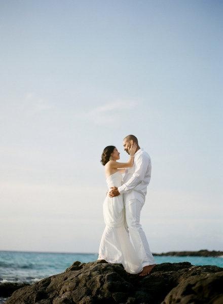 style me pretty - real wedding - usa - hawaii - hawaiian elopement - bride & groom