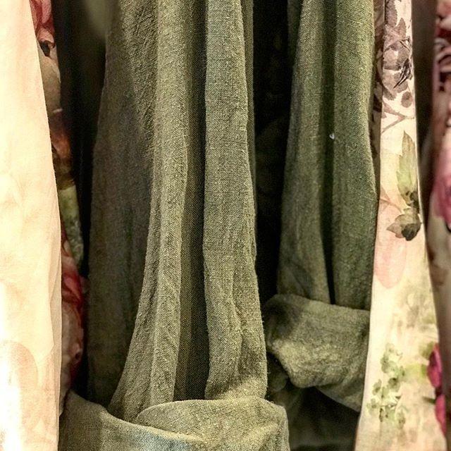 Sludgy dusty #olive green vintage wash linen ...we love... 💕#linen #dress #autumn #locallymade @jiva_clothing