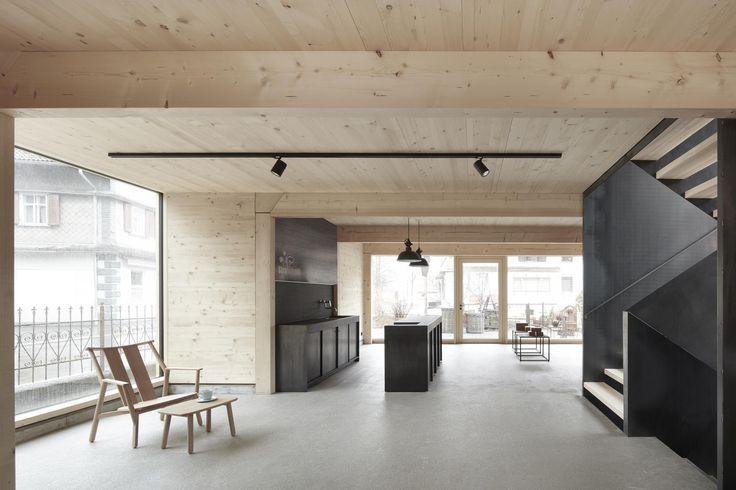 Charme des Handgemachten - Neue Gartenwerkstatt in Bezau von Innauer Matt Architekten