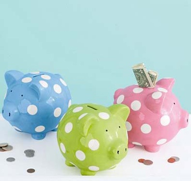 I want to start a piggy bank to put my change into to buy a gift for someone around Christmas time or to donate to a good cause.