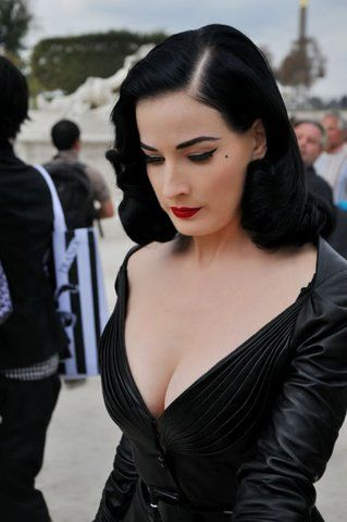 Browse all of the Dita Von Teese Wedding photos, GIFs and videos. Find just what you're looking for on Photobucket