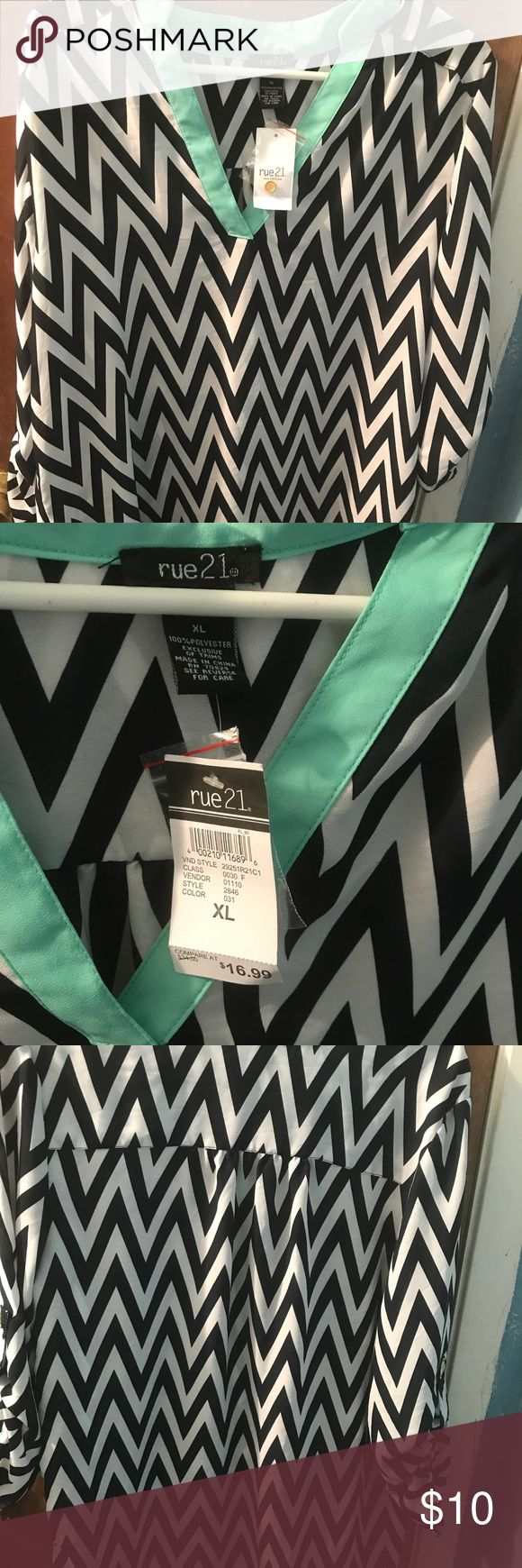 Rue 21 chevron shirt XL White, Navy, and turquoise blouse. XL Rue 21 Tops Blouses