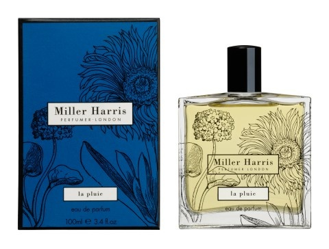 Conjuring the inky blue-black of clouds heavy with rain and the heightened sense of expectancy before a thunderstorm, this fragrance is richly suggestive of tropical showers and the balmy climate of a far away island.