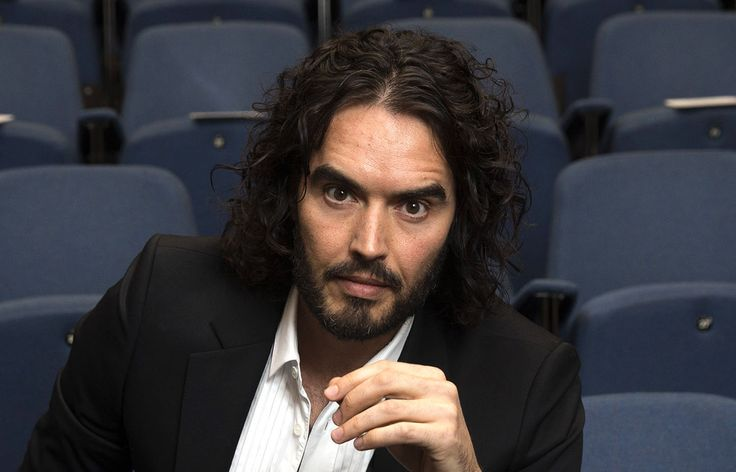 """Comedian Russell Brand champion the latest protest by the Occupy Movement which attempted to """"reclaim"""" The Sun newspaper owned by Rupert Murdoch. #OccupyMurdoch"""
