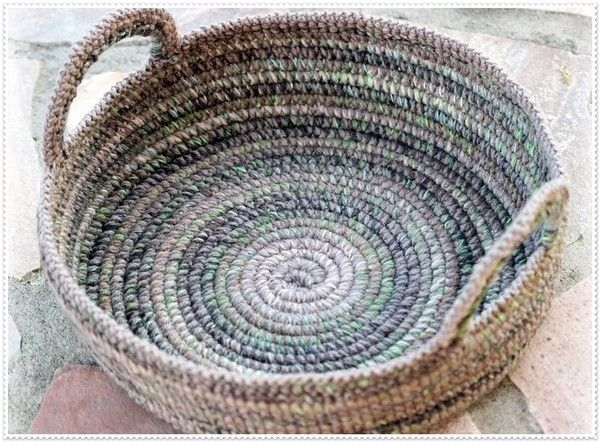 Such a nice basket is always a must-have! It is decorative and functional! You will get a detailed instruction of 11 pages with step-by-step photos on how to work on such a basket in US ENG. When you have crocheted such a basket you will be able to produ