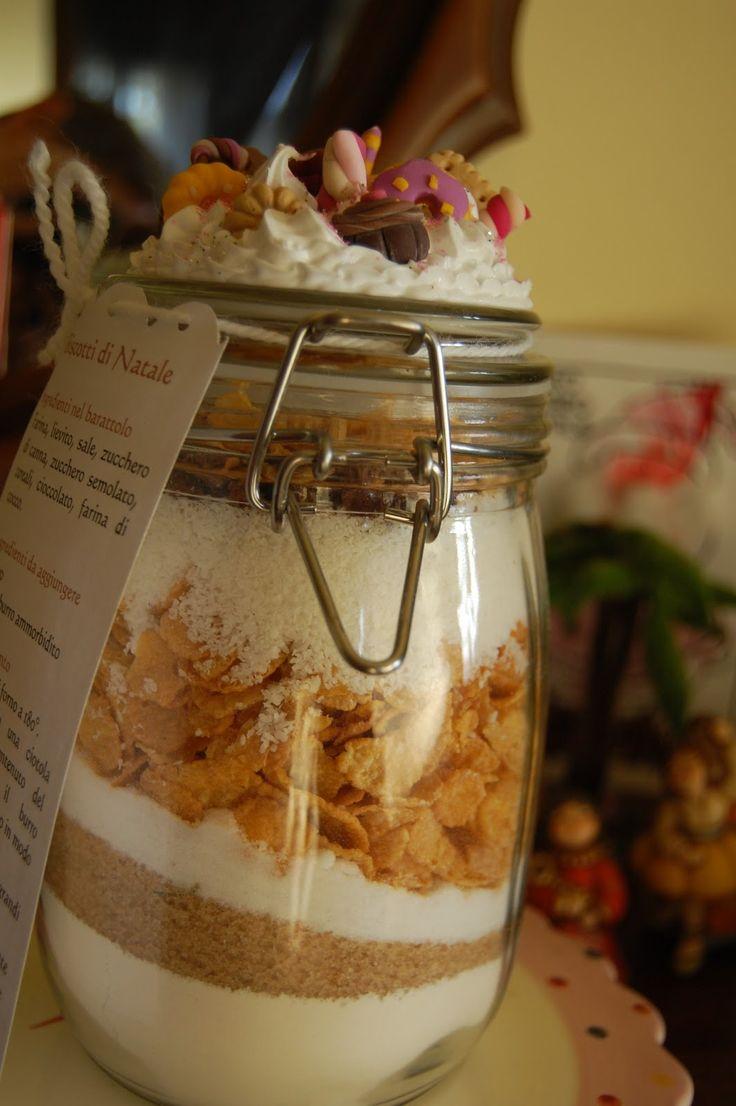 biscottini speciali in un vaso incredibilmente decorato con #fimo…