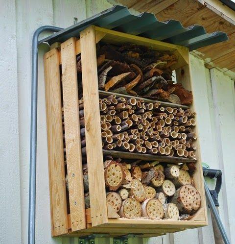 Hemmabyggt insektshotell