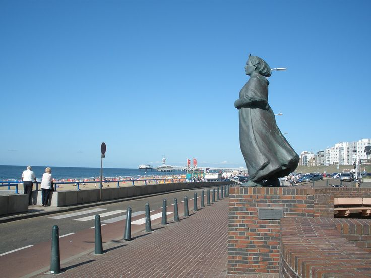 Scheveningen boulevard.......I have heard of this beach all my life. Would love to visit.