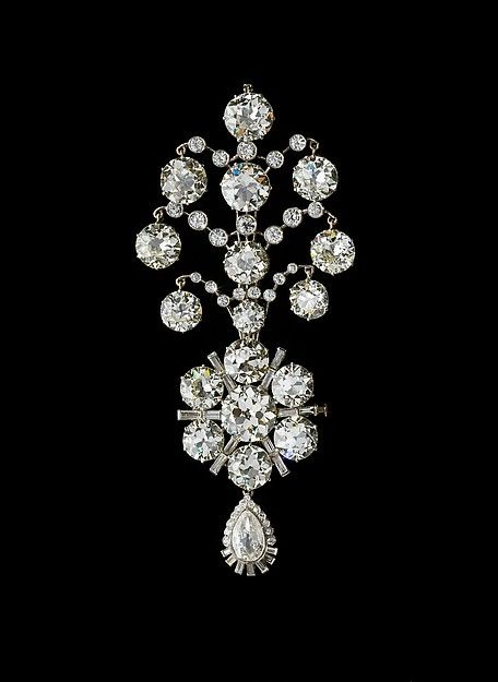 Turban Ornament (jigha) of the Maharaja of Nawanagar Object Name: Turban ornament Date: 1907 remodeled 1935 Medium: White gold, set with diamonds, with modern feather plume