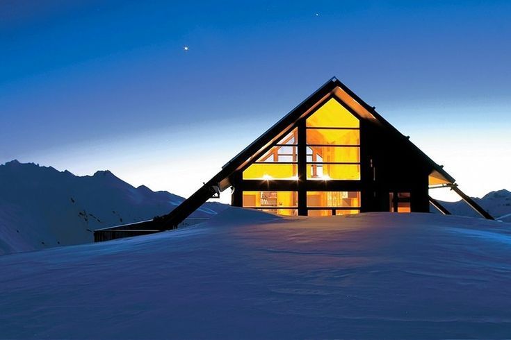 Wall Street Journal, August 2013.  Highlights Whare Kea Lodge & Chalet in Wanaka, New Zealand, as a Great Destination for Stargazers