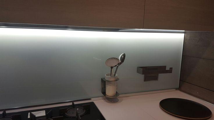 Schienale vetro magnetolab Lube
