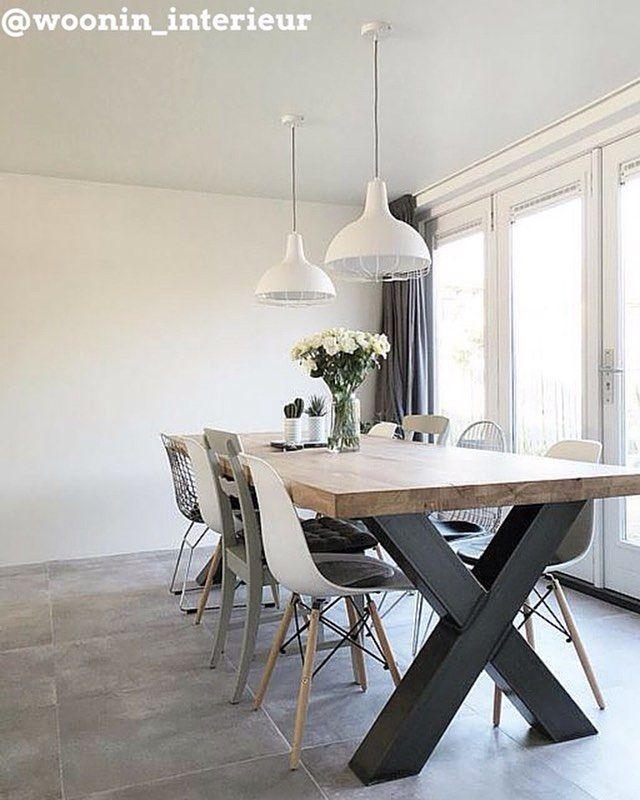 Genoeg inspiratie om op te doen op hsfy.nl/top10e1! Bekijk nog snel onze top 10 mooiste eetkamers! #woning #stijl #eetkamer #wit #groen #grijs #muur #tafel #eten #mooi #inspiratie #stoel #wonen #top10 #interieur #interieurstyling #binnenkijken #kamerplant