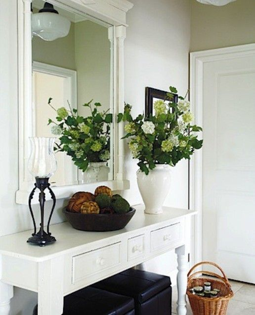 Small Mirrored Foyer Table : Best ideas about small foyers on pinterest narrow